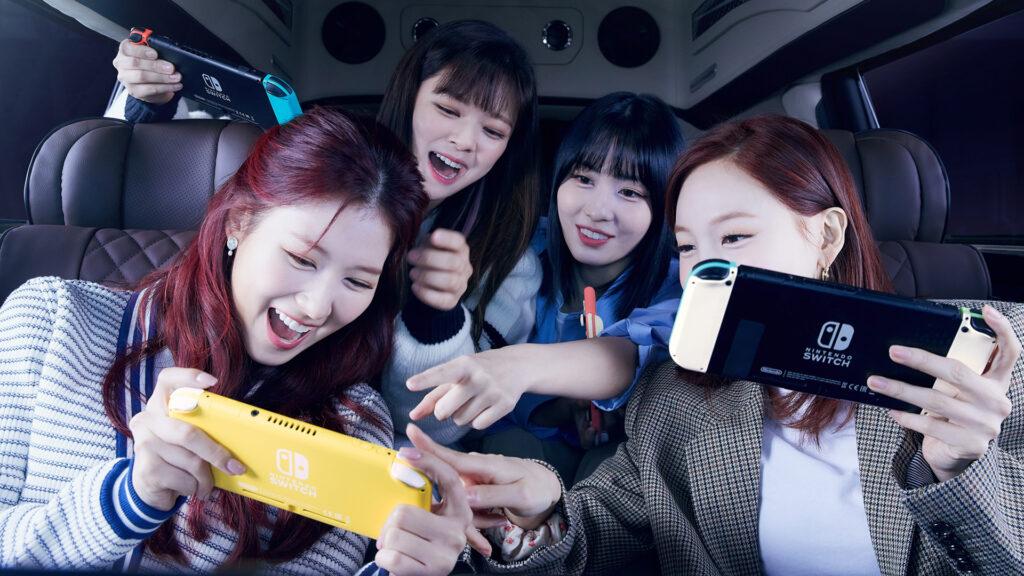 NIntedo Switch, Nintendo Switch Lite, Sana, Jeongyeon, Momo, Nayeon